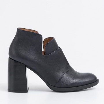 booties woman chie mihara cm molly4torrent asfalto 2097