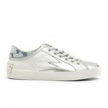 sneakers woman crime london 2530210 2737