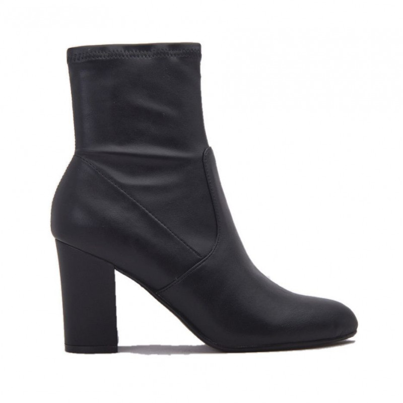 182a4984a29 Steve Madden ACTUAL Black Ankle Boots