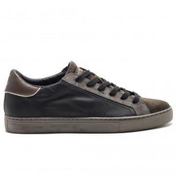 sneakers man crime london 1152020 5026
