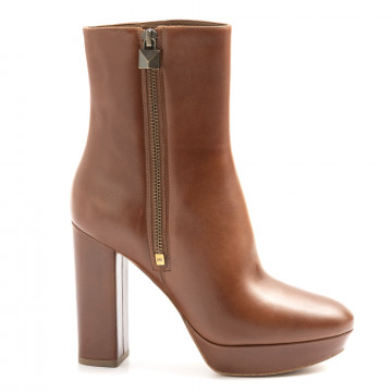 booties woman michael kors 40f9frhe9l230 6100
