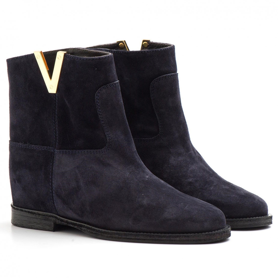 Ankle boots in blue suede with internal