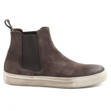 booties man j wilton 127 820light caff 6198