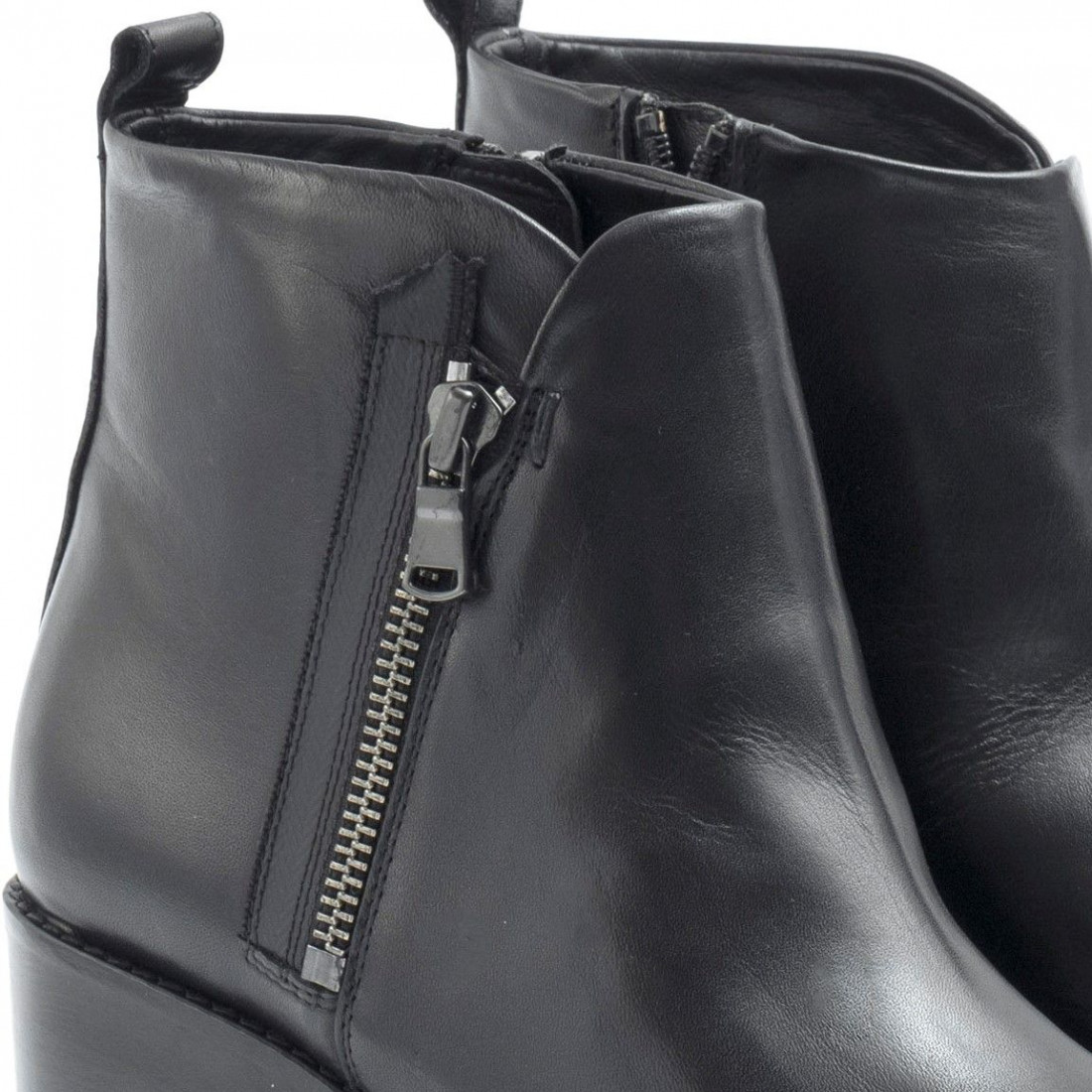 Black leather Carmens Harris platform