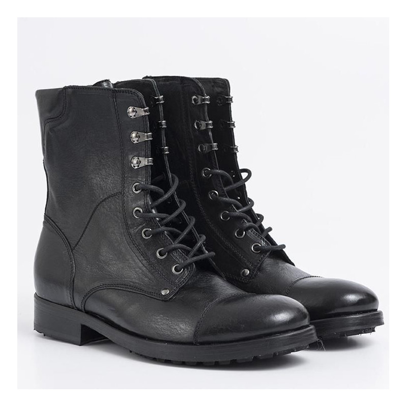 in vendita 53a70 59c0c Military boots in black leather